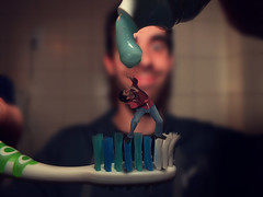 "Let's go brush teeth, my ""mini me"" (Lukinator) Tags: blue photoshop out bathroom big crazy funny long edited manipulation gross toothpaste toothbrush blau press pressure say ich lang aaa viel zahnpasta badezimmer zahnbrste kleines bearbeitet zhneputzen raus rausdrcken"