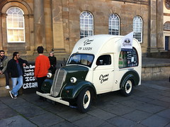 Ice cream in York, UK (BuonCuore) Tags: street food coffee car truck snacks van cart sales vending olsen concession grumman foodtruck stepvan streetsales
