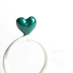emerald heart Ring (LaChicaDeLosAnillos) Tags: white verde green blanco silver heart teal ooak ring sterling emerald corazon anillo bague esmeralda platadeley lachicadelosanillos