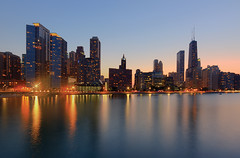 (Kevin Dickert) Tags: city urban chicago architecture night downtown dusk lakemichigan bluehour gettyimages streeterville ohiostreetbeach iamhydrogen kevindickert canontse17mmf4l miltonleeolivepark