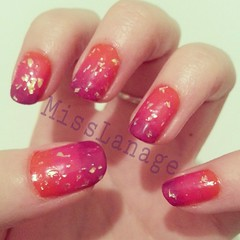 Flip flop challenge: sponged (MissLanage) Tags: nailart manicures nailartdesigns modelsown flickrandroidapp:filter=none ombrenails flakiepolish spongednails