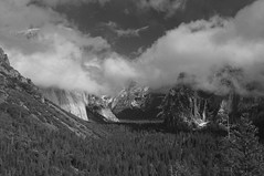 Tunnel View, Yosemite (kyrie09) Tags: california bw nationalpark yosemite yosemitevalley tunnelview