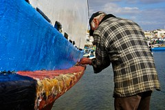 Calafetagem (Paulo N. Silva) Tags: port boat fishing fisherman maintenance setubal