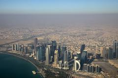 Décollage Doha (Maillekeule) Tags: windows sky plane aircraft ciel airways takeoff doha qatar hublot decollage