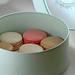 Macarons i sin förpackning