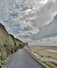 The beach and the cliffs  seen from the foot of the cliffs, Cap Blanc-Nez, France (1) - In Explore op 12-03-2013 # 094 (Johnny Cooman) Tags: sea france beach strand landscape natuur wolken zee explore frankrijk nordpasdecalais fra cloudscapes landschap wolk capblancnez pasdecalais explored escalles lesdeuxcapes canons5 vertorama wolkformatie wolkformaties