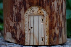 wood carving tree fairy door (Simon Dell Photography) Tags: wood carving tree fairy door diy hand made ideas simon dell art sheffield 2016 shirebrook valley how step by