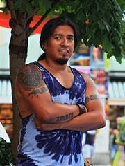 Stranger #031/100 - Carlos (reinh_3008) Tags: carlos portrait portrt 100strangers reinh3008 ecuador munich mnchen tattoo shoulder batik tshirt darkhair male man
