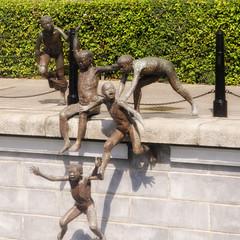 Jumping, pushing, falling, swimming (IngeHG) Tags: singapore singaporeriver art sculpture firstgeneration