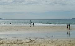 IMGP4672 (mattbuck4950) Tags: unitedkingdom europe water holidays july beaches sand wales waves photosbymatt camerapentaxk50 lenssigma18250mm randompeople irishsea 2016 pembrokeshire holiday2016pembrokeshire stdavids whitesandsbaypembrokeshire gbr