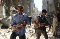 Conflictos Siria (Seal Informativa) Tags: topshots horizontal middleeast civilwar revolt civilianpopulation rescue baby childinwar ruins victim bombardment airraid documentationselection aleppo syria
