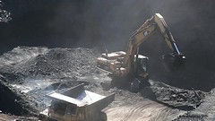 Loading Pittsburgh Coal (Video) (Photons of Days Past) Tags: canoneos6d ef70300mmf456isusm cabinrunroad alleganycounty maryland frostburg pittsburghcoalseam cat caterpillar video