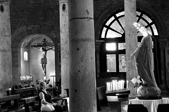 L'adorazione (Daphne135) Tags: bw bn chiesa maria madonna preghiera pray italy umbria narni cattedrale
