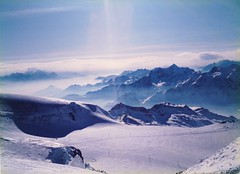 Zermatt 1987 Ski runs down from Klein Matterhorn (davids pix) Tags: winter snow ski mountains alps switzerland 1987 run zermatt matterhorn kleinmatterhorn kleine