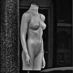 Behind the window... (Akbar Sim) Tags: bw holland mannequin netherlands zwartwit nederland denhaag etalage shopwindow dummy thehague etalagepop zeeheldenkwartier akbarsimonse akbarsim
