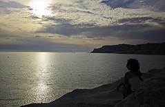 aspettando il tramonto (kasparel) Tags: sea colors tramonto mare sicily colori realmonte scaladeiturchi canoneos450d