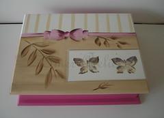 porta jia (Imer atelie) Tags: pink folhas branco rosa f caixa porta moa bebe menina biju corderosa moderna pintura mdf borboletas anel listras lao feminino bijuterias jias feitoamo divisorias portajoia imeratelie