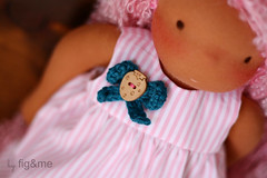 Doll strawberry corsage (Fig & Me) Tags: pink toy doll handmade stripes boneca mueca poupe pinkstripes popje lalki ningyou stoffpuppe naturaldoll figandme naturalclothdoll