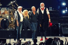 Fleetwood Mac (Joshua Mellin) Tags: chicago concert live unitedcenter 2012 stevienicks fleetwoodmac chicagoist mickfleetwood 2013 lindseybuckingham johnmcvie