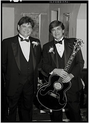Don and Phil Everly, The Everly Brothers (martin alberts1) Tags: royalalberthall rockandroll everlybrothers theeverlybrothers martinalberts doneverly phileverly blinkagain