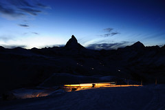 Matthorn Sunset (朱弢) Tags: sunset snow train nikon peak matterhorn 1855 尼康 switzland 瑞士 欧洲 火车 d90 马特宏峰 马特宏
