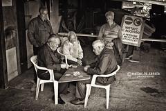 Acitrezza (walterlocascio) Tags: sicily sicilia acitrezza anziani vecchi pescatori briscola giocatoridicarte cartedagioco cartesiciliane pescatorichegiocanoacarte giocatoridiscopa