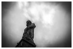 Kassel Wilhelmshhe (:: Blende 22 ::) Tags: white black clouds germany deutschland hessen cloudy wolken lookout german schwarz ausblick herkules fernrohr hesse denkmal weis bewlkt canoneos5dmarkii ef2470f28liiusm schlossparkkasselwilhelmshhe