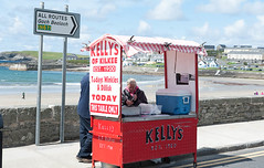 All routes to buy Periwinkles (swordscookie back and trying to catch up!) Tags: kilkee coclare ireland periwinkles dilisk food seaside beach water bay wildatlanticway allroutes