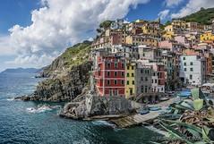 RIOMAGGIORE - Cinque Terre - Liguria - Italy (Frank Smout) Tags: italy cinqueterre cinque terre riomaggiore typical village colors