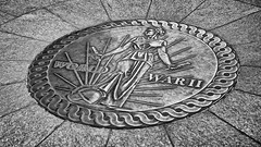 DSC_0017_00015 (Derek.C.Smith) Tags: bw blackwhite capitol medallion travel travelandtourism traveldestination unitedstates usa vacation worldwariimemorial washingtondc