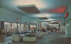 Edison Mall, Fort Myers, Florida (SwellMap) Tags: postcard vintage retro pc chrome 50s 60s sixties fifties roadside midcentury populuxe atomicage nostalgia americana advertising coldwar suburbia consumer babyboomer kitsch spaceage design style googie architecture shop shopping mall plaza