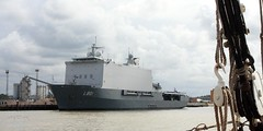 HNLMS Johan de Witt (innpictime ζ♠♠ρﭐḉ†ﭐᶬ₹ Ȝ͏۞°ʖ) Tags: river boat london thames ship afloat royalnetherlandsnavy landingplatformdock amphibious victoriadeepwaterterminal dutch greenwich l801 514971070004479 hanson olympianway