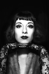 Twenties (MlyneVolua) Tags: vintage noir blanc black white flower fleur model rennes 2016 elodie melynevolua twentis 20s 30s retro silentactress bw blackandwhite art fashion portrait photo photoraphy