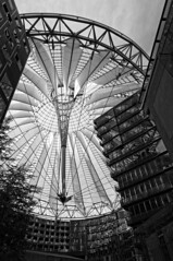 At Home (Stefan Zwi.) Tags: berlin potsdamerplatz sonycenter monochrome bw blackandwhite schwarzweis sony nex5n architektur town architecture building wow