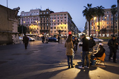 Around the bonfire (Giacomo Foti Photo) Tags: street city rome roma night canon twilight shadows 7d chestnut seller floodlight castagne arrosto