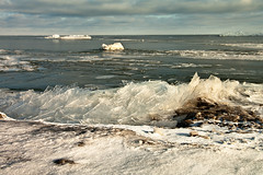 K7_13727 (Bob West) Tags: winter ontario ice beach clouds lakeerie cloudy greatlakes 4c k7 rondeauprovincialpark southwestontario bobwest pentax1650f28