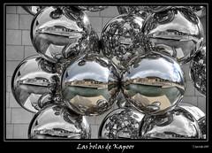 Las bolas de Kapoor (Pogdorica) Tags: bolas bilbao escultura reflejo guggenheim museo kapoor cruzadasi