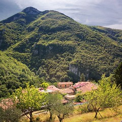 The road ends in Casoli (Bn) Tags: blue trees summer vacation sky people italy holiday mountains green church beautiful weather river casa fishing warm heaven paradise italia quiet locals village lima hiking stage olive peaceful highlights historic hills valley enjoy tuscany olives funghi rest ravine summertime viewpoint picturesque surrounding hospitality pleasant authentic discover tuscan sealevel 500m bressan casoli