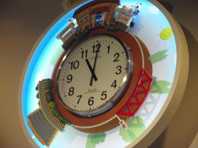 きまった時間ごとに、しかけ時計が鳴ります。 キッズプラザ大阪