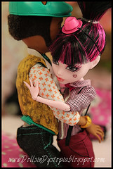 Love (DollsinDystopia) Tags: monsterhigh draculaura clawdwolf