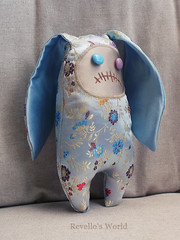 Zombie Bunny Ning (RD1630) Tags: zombie bunny hase toy plushie chinese silk spielzeug handmade handgemacht