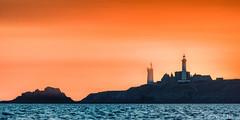 _D816767-St Mathieu aprs le coucher du soleil (Brestitude) Tags: saintmathieu phare lighthouse abbaye pointe finistre bretagne brittany france brestitude laurentnevo sunset couchdesoleil mer iroise sea
