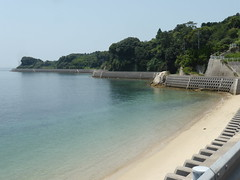 Nice empty beach (Stop carbon pollution) Tags: japan  honshuu  hiroshimaken   tobishimakaidou