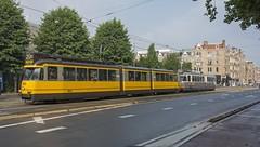 Amsterdam Haarlemmermeerstation Museumtrams 602-586 (Rob Dammers) Tags: museum tram amsterdam gvb