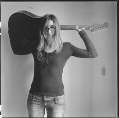 (Luca Tabarrini) Tags: blackandwhite 6x6 darkroom mediumformat square blackwhite guitar beth singer blonde fullframe 120mm cameraoscura fiberpaper medioformato baritata lucatabarrini elisabettacaprini