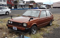Toyota Starlet P6 braun metallic (1978-1984) 01 (H2O74) Tags: auto old costa 6 brown classic car japan japanese automobile san cola alt s rica voiture coche 80s toyota 70s carro modified oldtimer p tiefer braun tuning coca  barrio jos dl