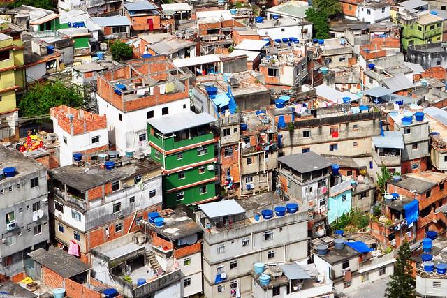 A favela in Rio de Janeiro © Chensiyuan