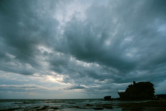 the sunset @ tanah lot (fateless_gypsy) Tags: ocean sunset sky bali cloud silhouette temple tanahlot