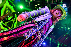 Mad T Party - The Mad Hatter (EverythingDisney) Tags: disneyland band disney dca madhatter aliceinwonderland californiaadventure hatter madtparty