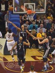 Kyrie Irving Shooting (Erik Daniel Drost) Tags: ohio basketball point cleveland guard duke arena irving kyrie nba cavaliers cavs loans quicken quickenloansarena kyrieirving
